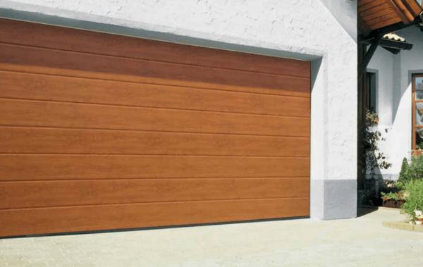 Секционные гаражные ворота hormann золотой дуб