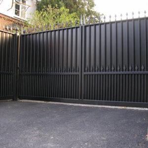 Металлические уличные ворота